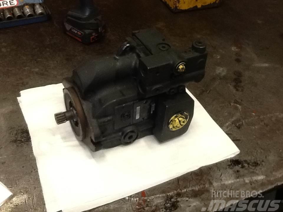 Sauer Danfoss var. hydraulisk pumpe Type 7004505