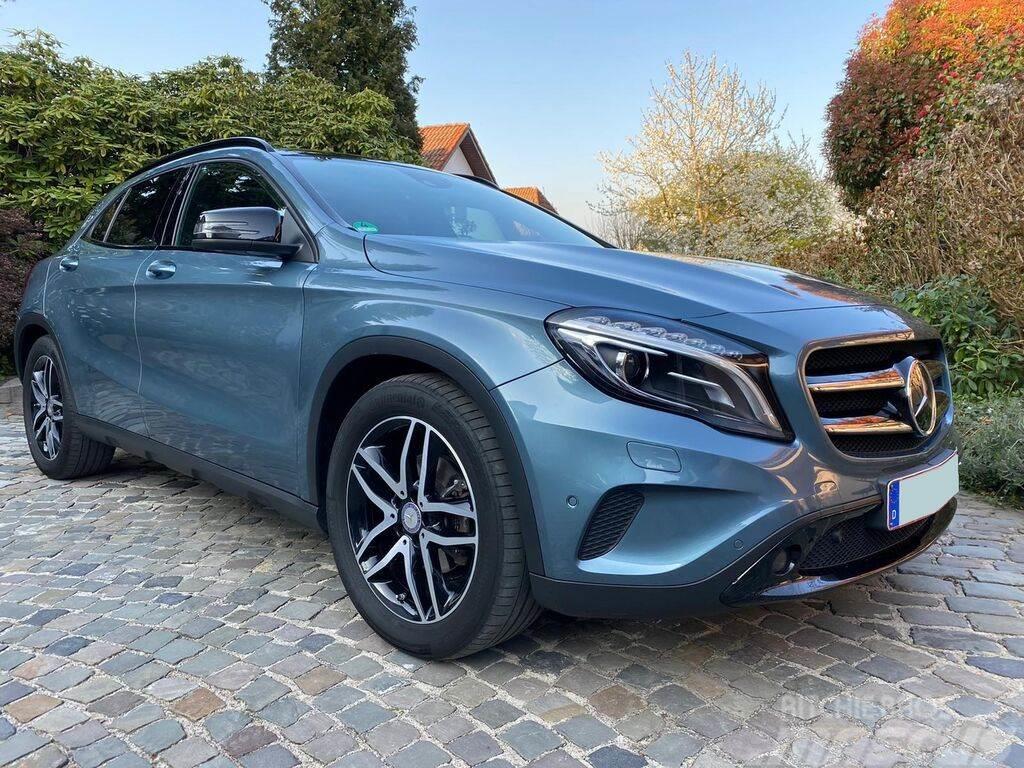 Mercedes-Benz GLA 200CDI 4M Distronic Panorama