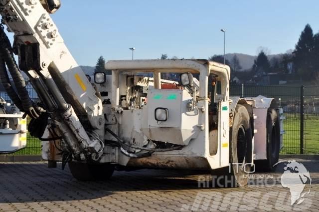 Sandvik Tunnelbohrwagen drill rig