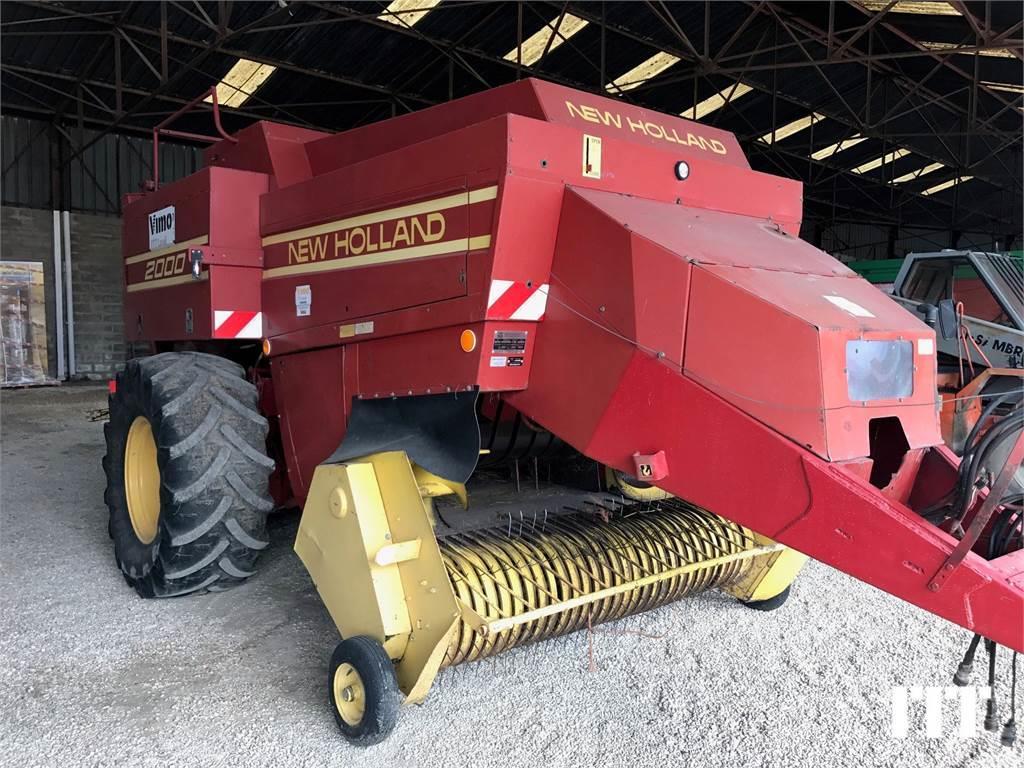 New Holland D2000