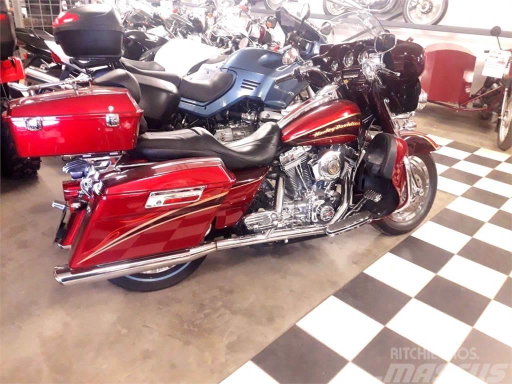 Harley-Davidson FLHTC Screaming Eagle