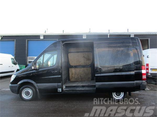mercedes benz sprinter 319 lieferwagen gebraucht kaufen und verkaufen bei 83a544f4. Black Bedroom Furniture Sets. Home Design Ideas