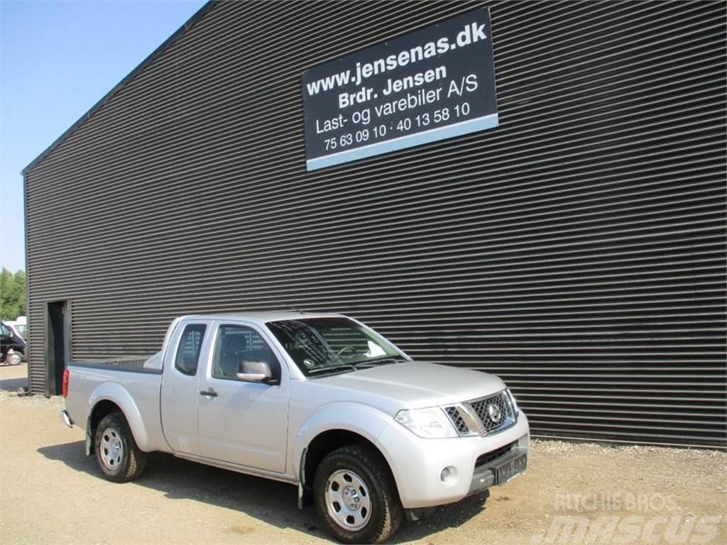 used nissan navara pickup trucks year 2012 price us. Black Bedroom Furniture Sets. Home Design Ideas