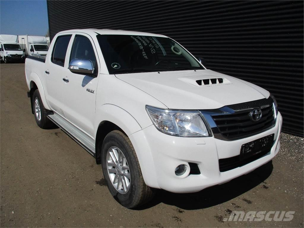used toyota hilux pickup trucks year 2012 price 32 792. Black Bedroom Furniture Sets. Home Design Ideas