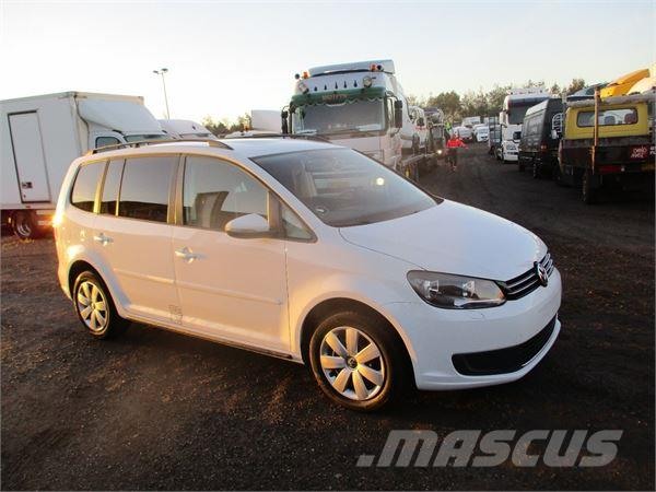 volkswagen touran occasion prix 22 145 ann e d 39 immatriculation 2013 voiture volkswagen. Black Bedroom Furniture Sets. Home Design Ideas