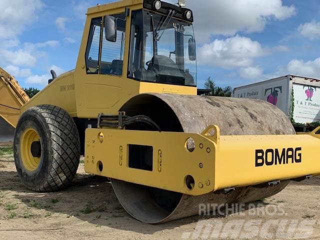 Bomag BW211D-40