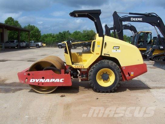 Dynapac CA144D