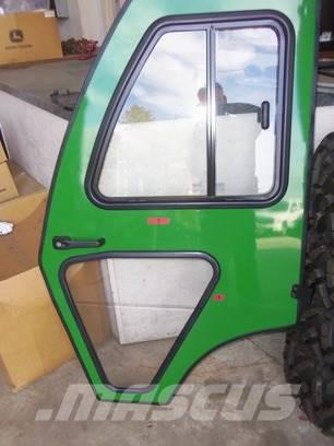 John Deere 1025R curtis cab door
