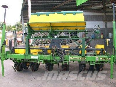 Used John Deere 1700 Planters Year 2001 Price Us 14 116 For Sale