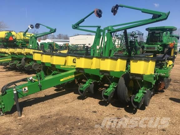 John Deere 1760 Planters Year Of Mnftr 2012 Price R 483 104 Pre