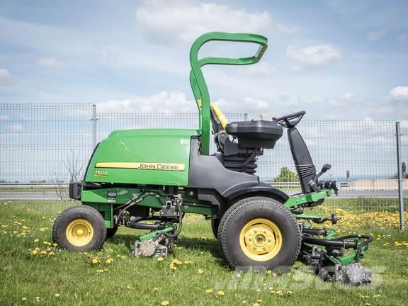 John Deere 7500E-Cut Hybrid