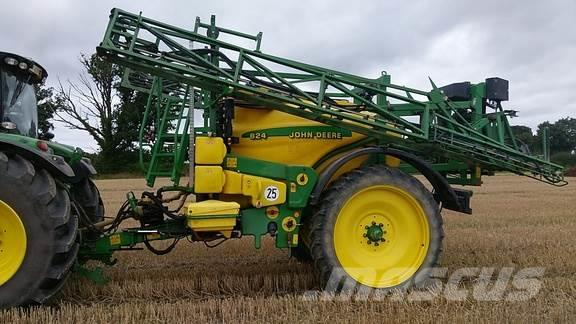 John Deere 824 Trailed Sprayer *REDUCED* WAS £10,000 NOW £8,