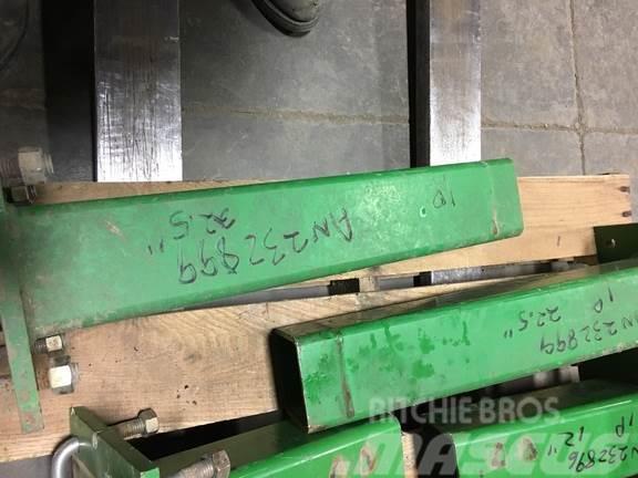 John Deere AN232899 22.5 STUB BAR