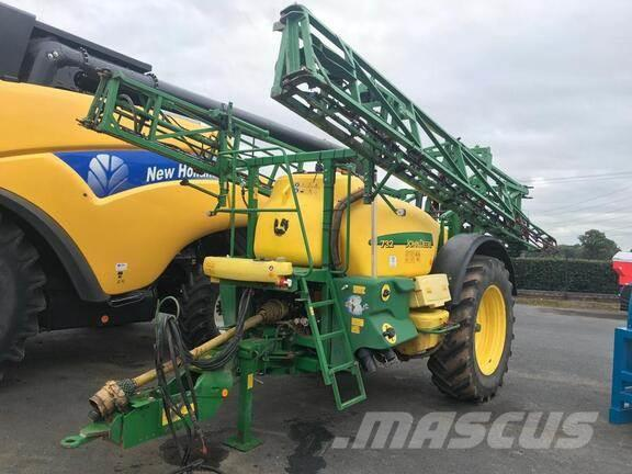 John Deere M732 Sprayer