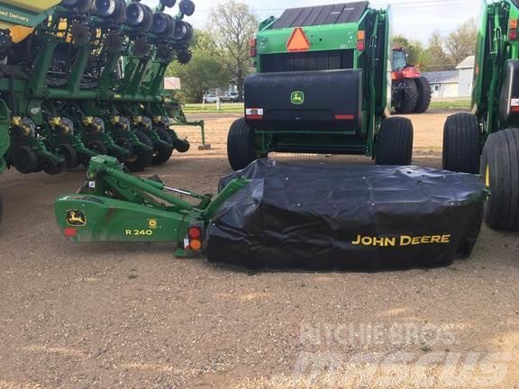 John Deere R240