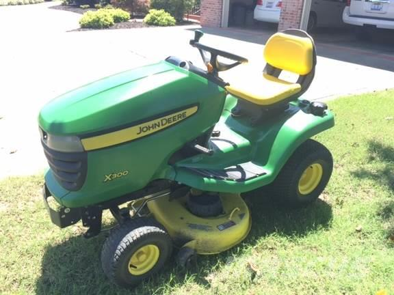 john deere x300 for sale hayti mo price 1 222 year. Black Bedroom Furniture Sets. Home Design Ideas