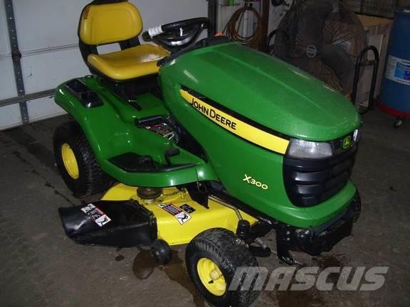 john deere x300 for sale libertyville il price us 2 200. Black Bedroom Furniture Sets. Home Design Ideas