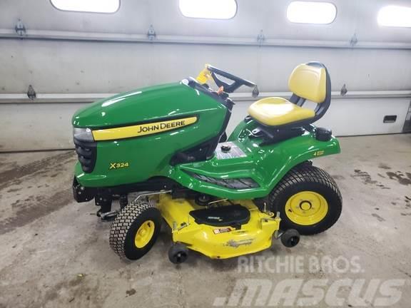 John Deere X324 Lawn Tractor