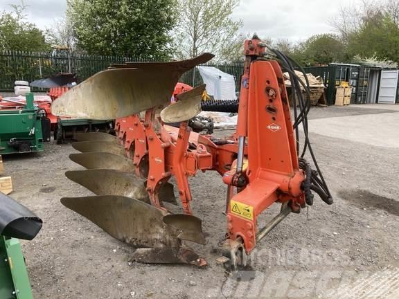 Kuhn VM 122 Plough