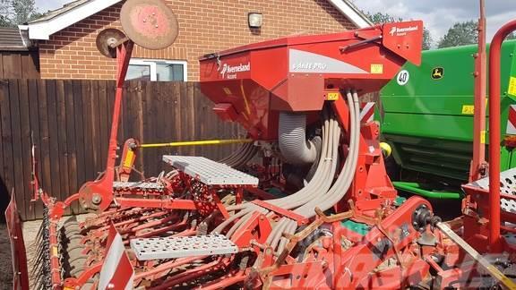Kverneland S Pro drill & NGH 301 Power Harrow