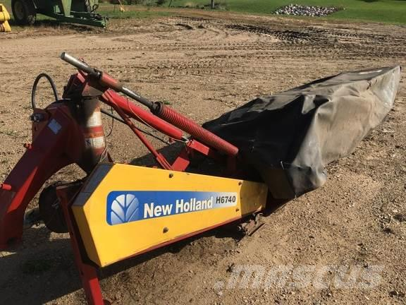 New Holland h6740