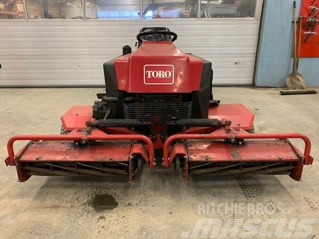 Toro Reelmaster 216 3 cyl Diesel m/3 stk klipperer(Velh