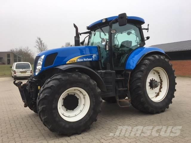 New Holland T7030 frontlift & frontPTO