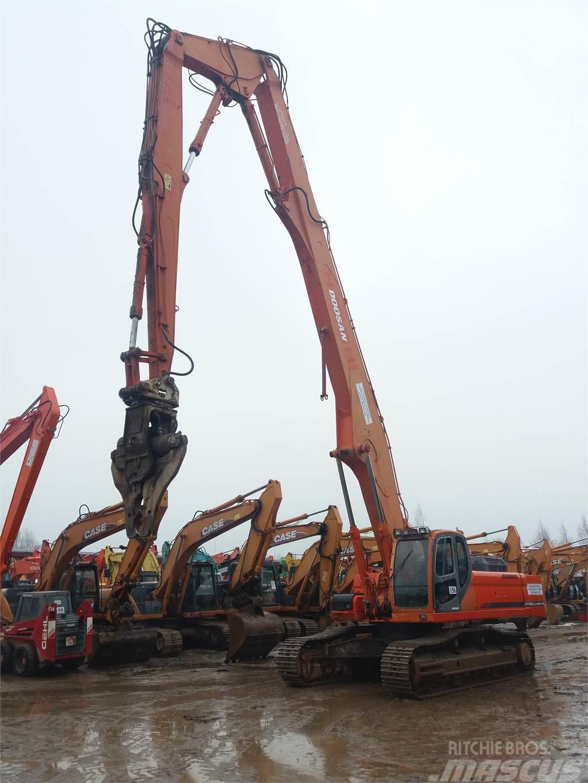 Doosan DX420LC Demolition