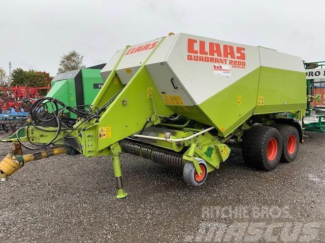 CLAAS Quadrant 2200 RC + Quadro Pac