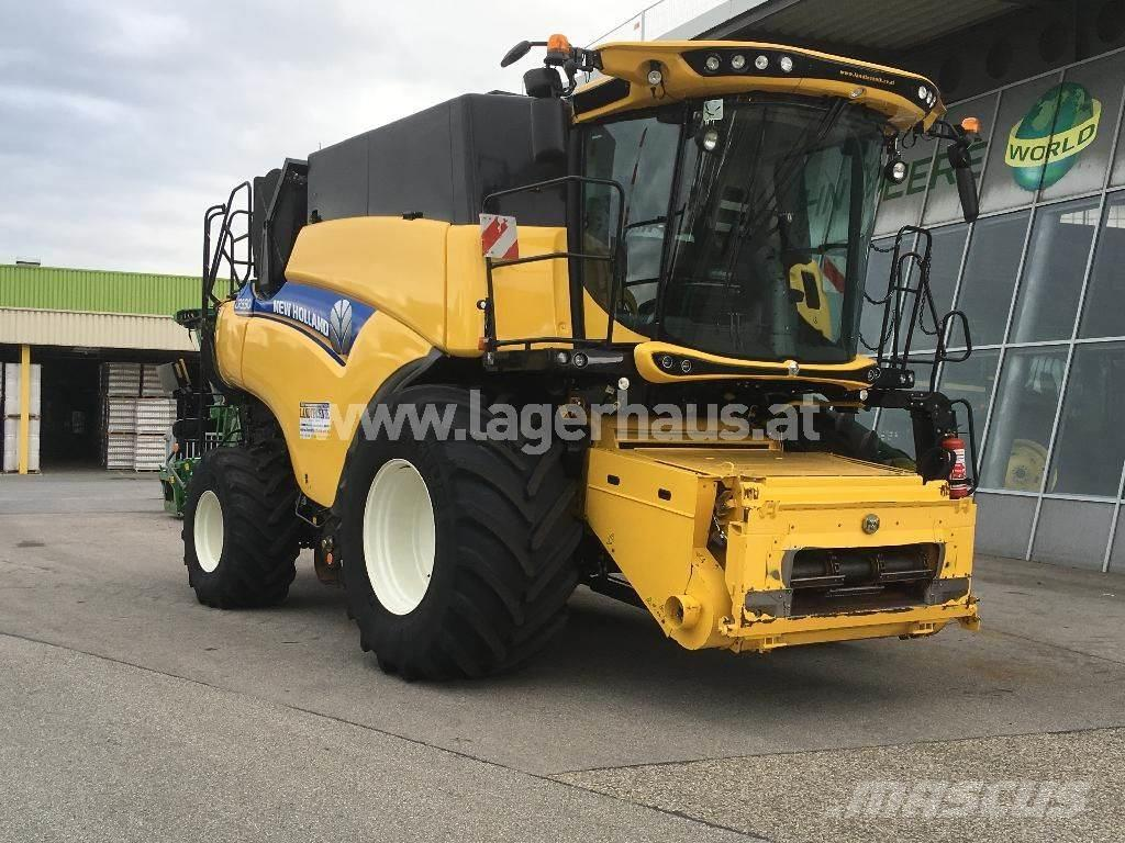 New Holland CR 990