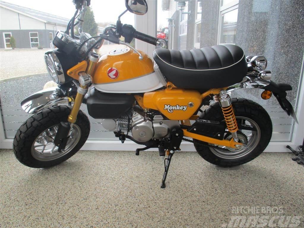 Honda Monky 125ccm i Banana Yellow