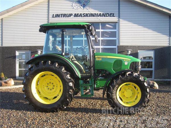 John Deere 5070M Velholdt traktor med kun 1151 timer