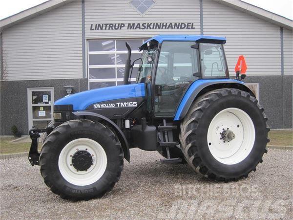 New Holland TM 165 Ultra Med frontlift