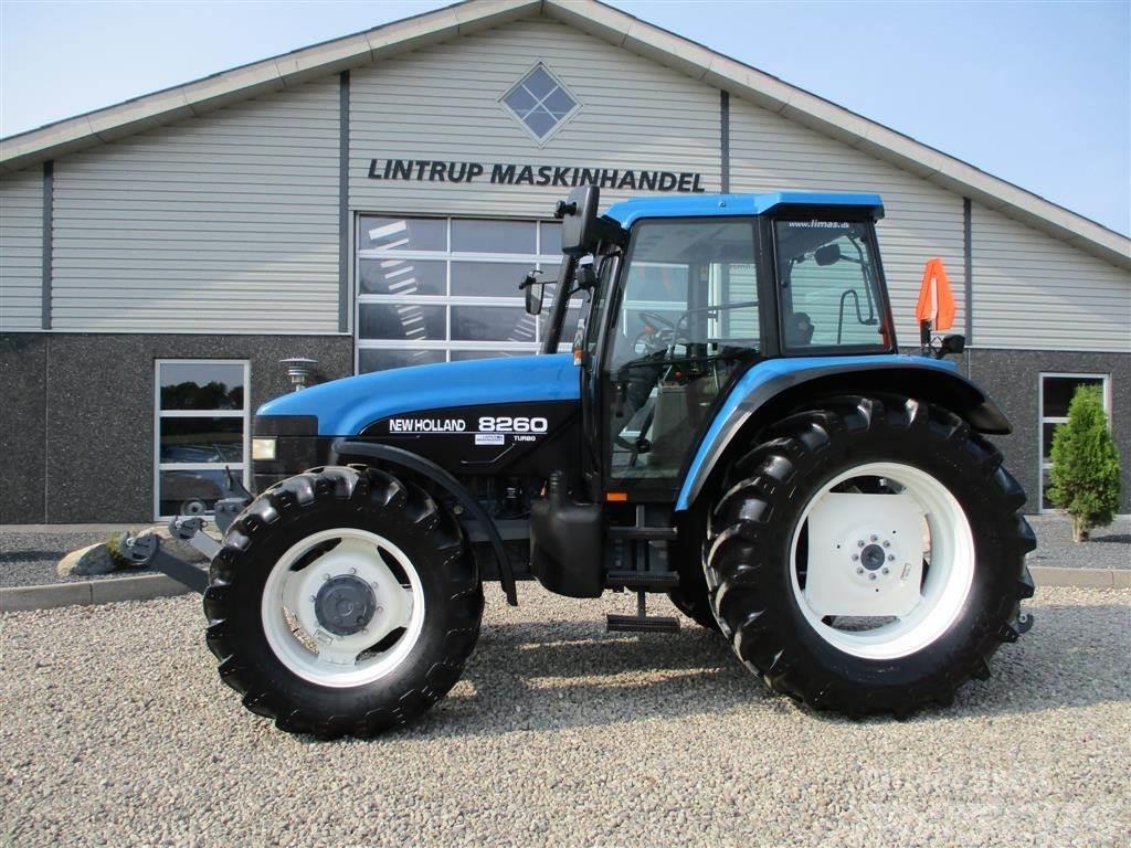 New Holland 8260 Med Turbo og frontlift