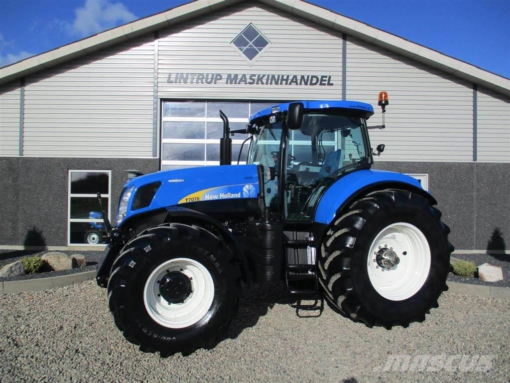 New Holland T 7070 AC Med frontlift