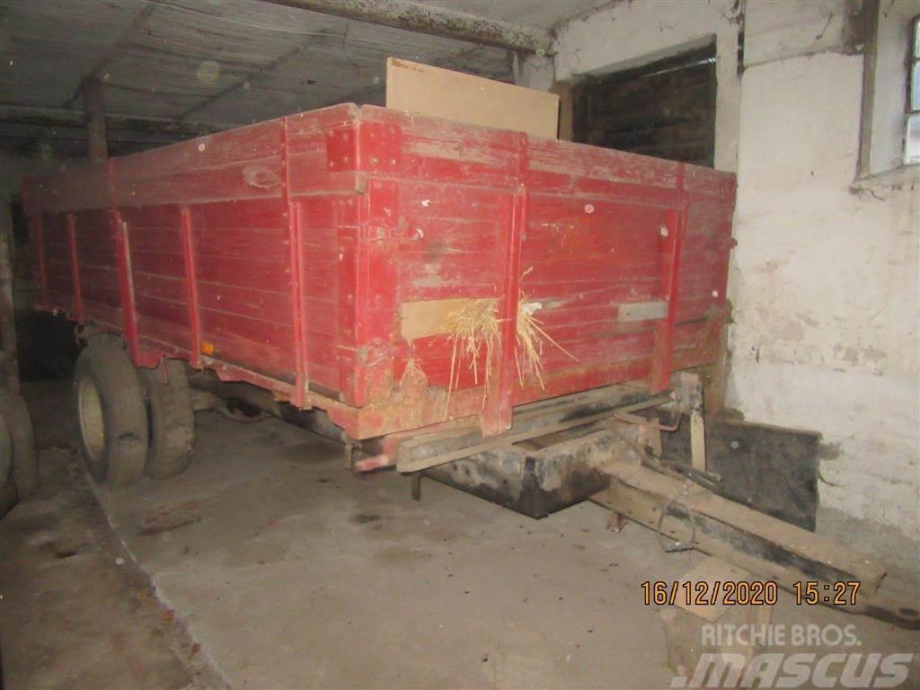 [Other] Ukurant 1 tipvogn ombygget lastbiler