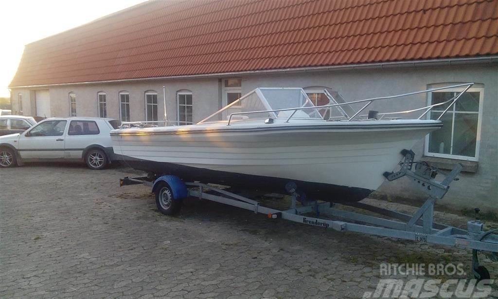 [Other] 19 fods motorbåd med trailer