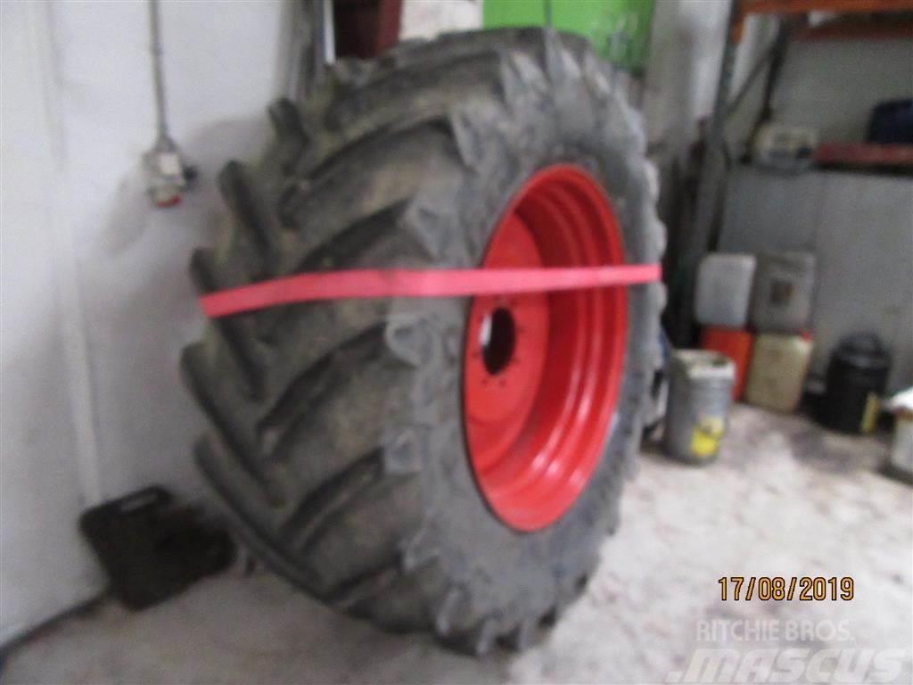 Pirelli 650/65 R 38 TM 800