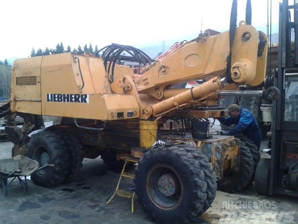 Liebherr A912LI