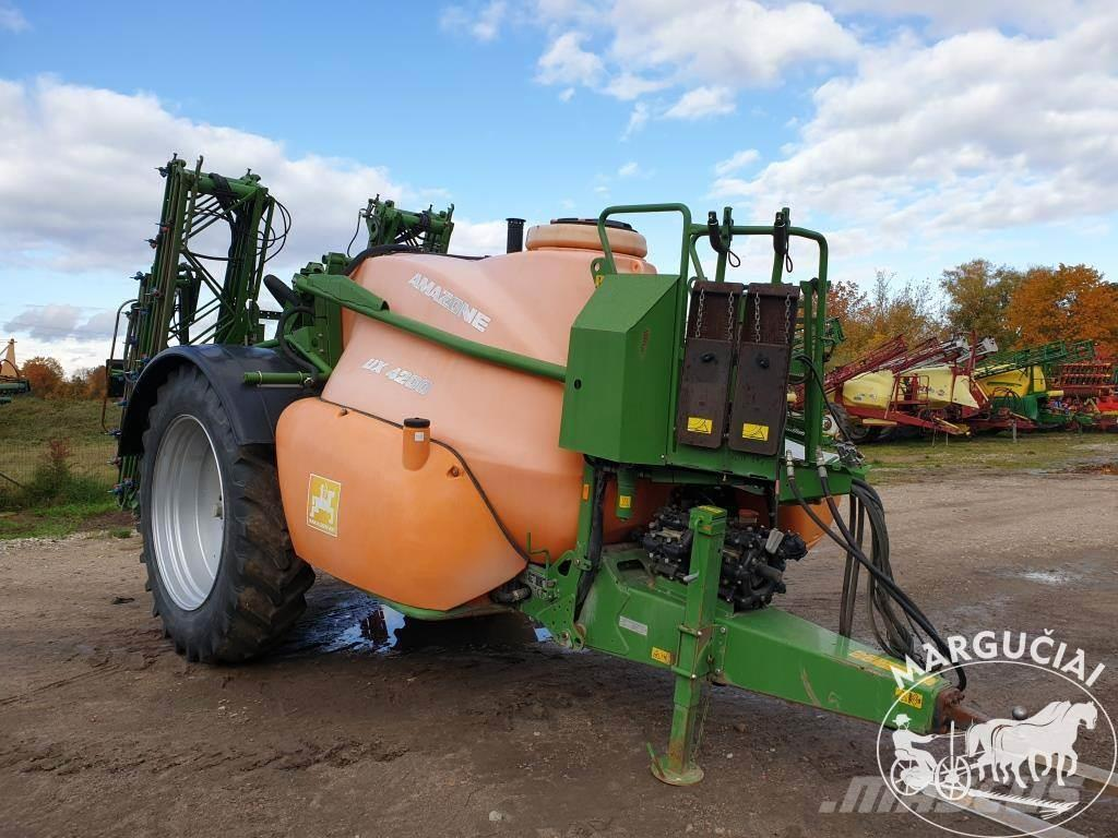 Amazone UX, 4200 ltr., 20-21 m.