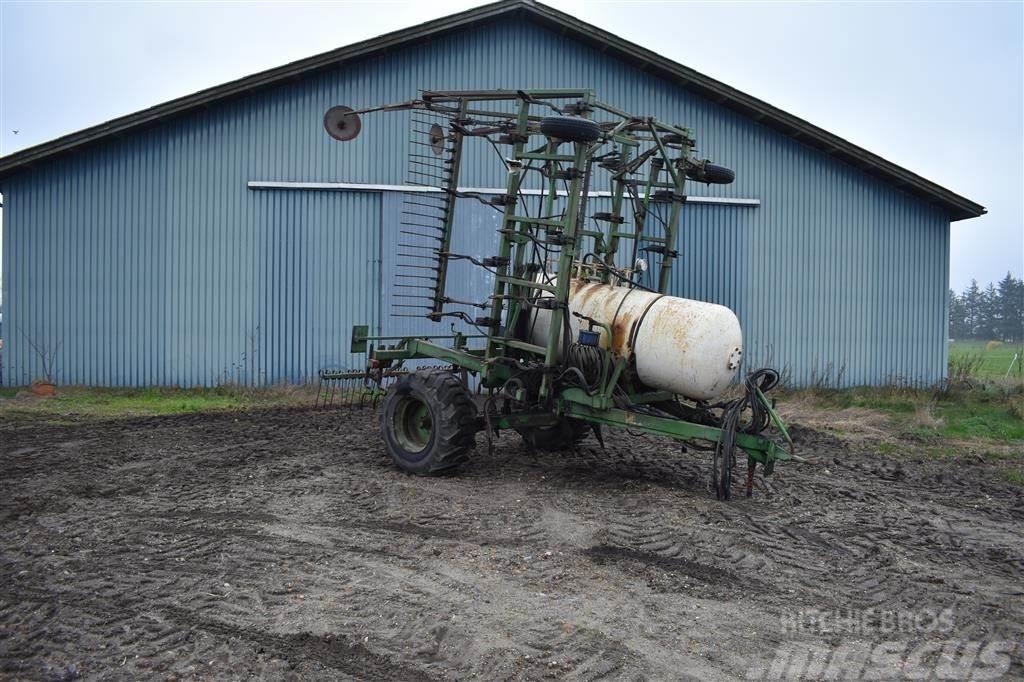 Agrodan 25 tands med 800 kg tank