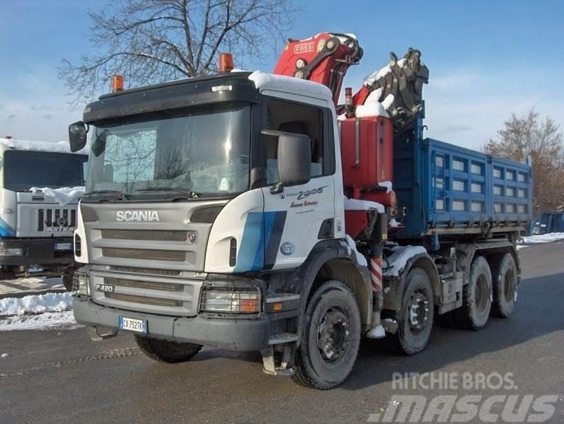 Scania P420 CON GRU FASSI