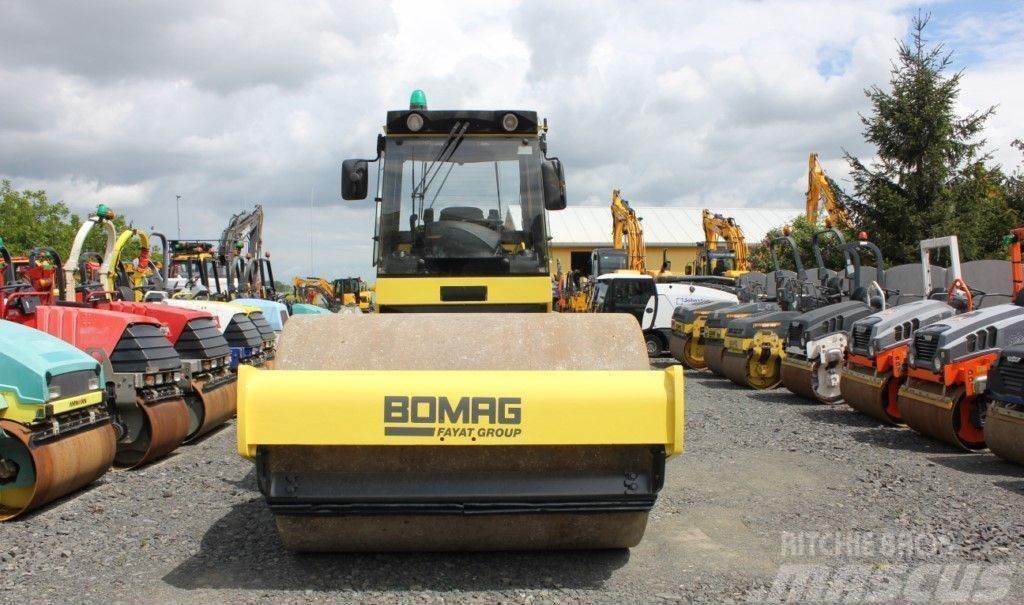 Bomag BW 213 DH-4 METAL -GUMA , 2005 rok