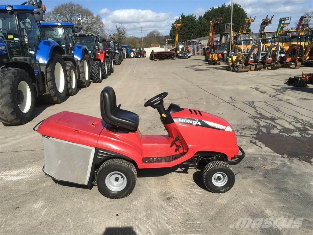Honda V-Twin 2417 Ride On Mower (ST5913)