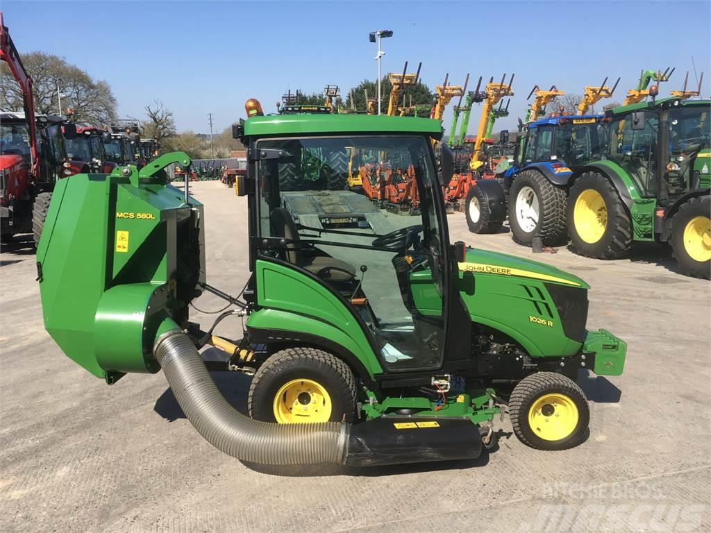 John Deere 1026R Compact Tractor (ST4498)