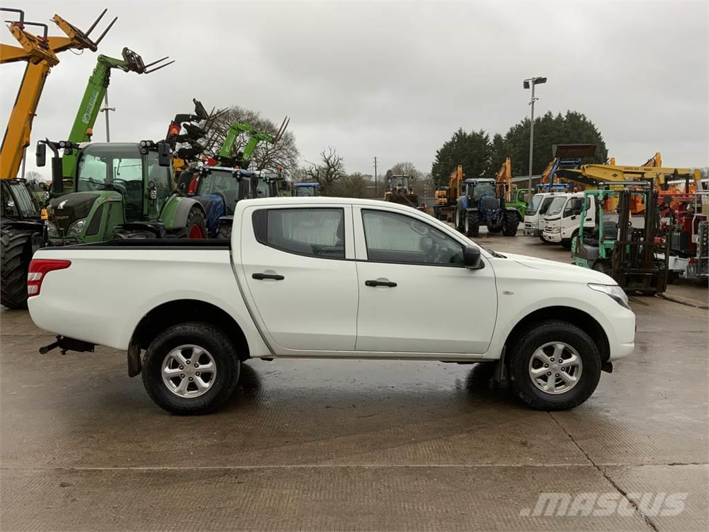 Mitsubishi L200 Double Cab Pick Up (ST8972)