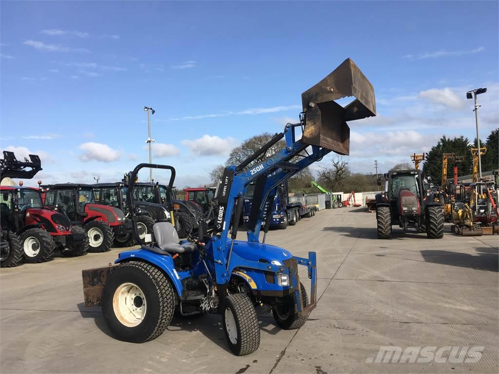 New Holland TC31DA Compact Tractor (ST6868)