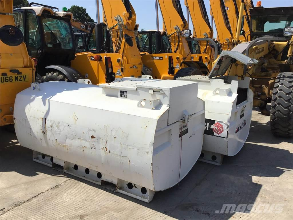 [Other] Choice of 2 Western/ABBi 1900 Litre Diesel Tanks