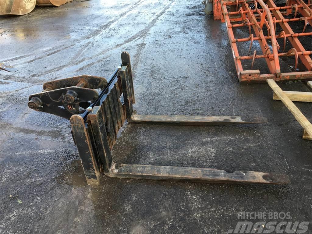 [Other] HL Pallet Forks To Suit 8 Tonne Excavator