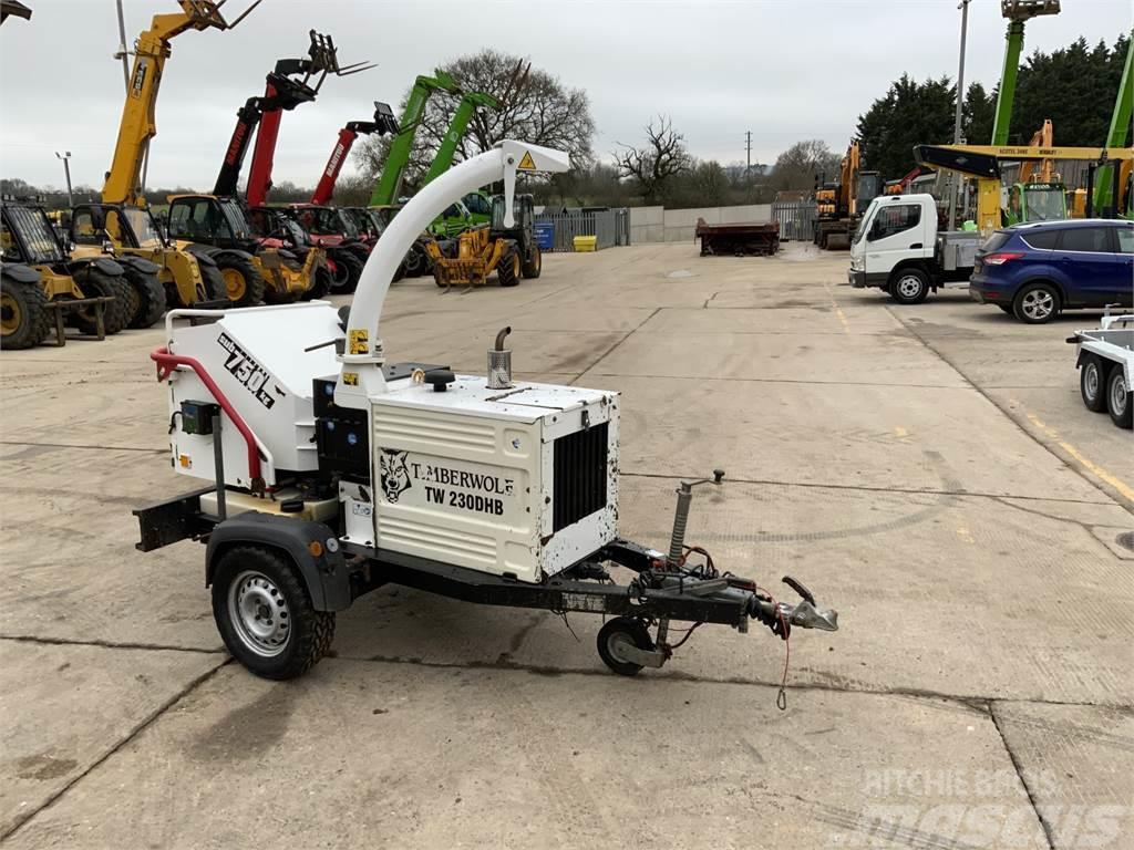 Timberwolf TW230DHB Fast Tow Wood Chipper (ST9046)